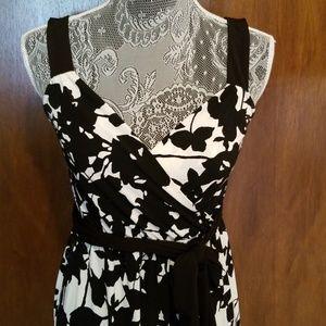 Maxi Black/White Dress